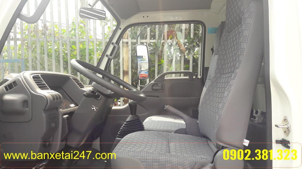 Nội thất xe tải isuzu 2t4 thùng kín qkr55f 3 chỗ ngồi
