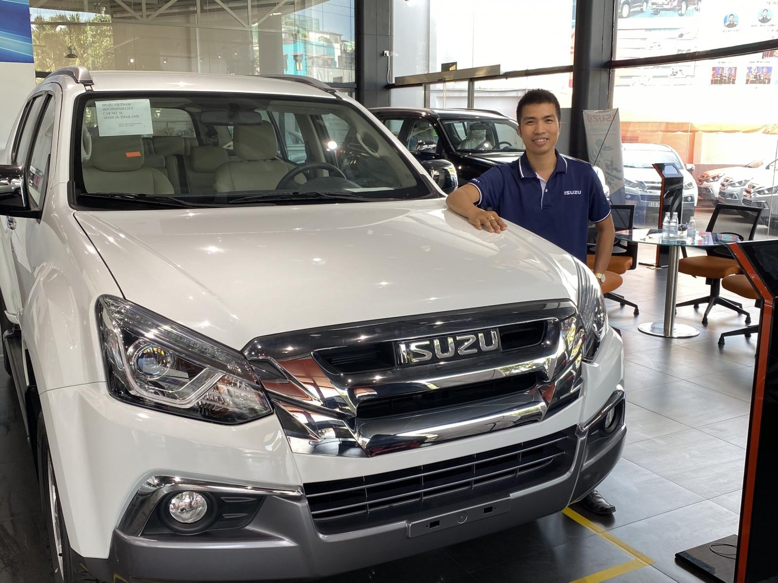 Cập nhật ✅ Bảng giá xe Isuzu 2020 mới nhất tại Việt Nam ✅ Giá xe Isuzu MU-X, D-MAX AT, MT... tháng 04 năm 2020. Liên hệ lái thử: 0902381323 Mr. Hóa.