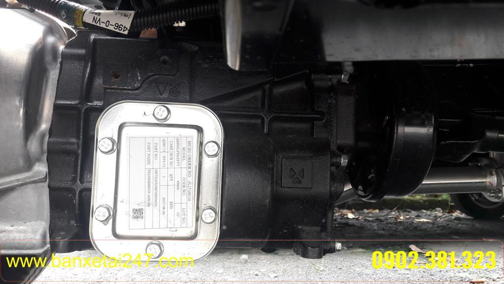 Hộp số xe tải ISUZU QKR55 thùng kín 2t4 tổng tải 2t4